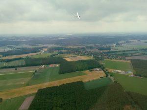 Segelflugzeug am Flugplatz